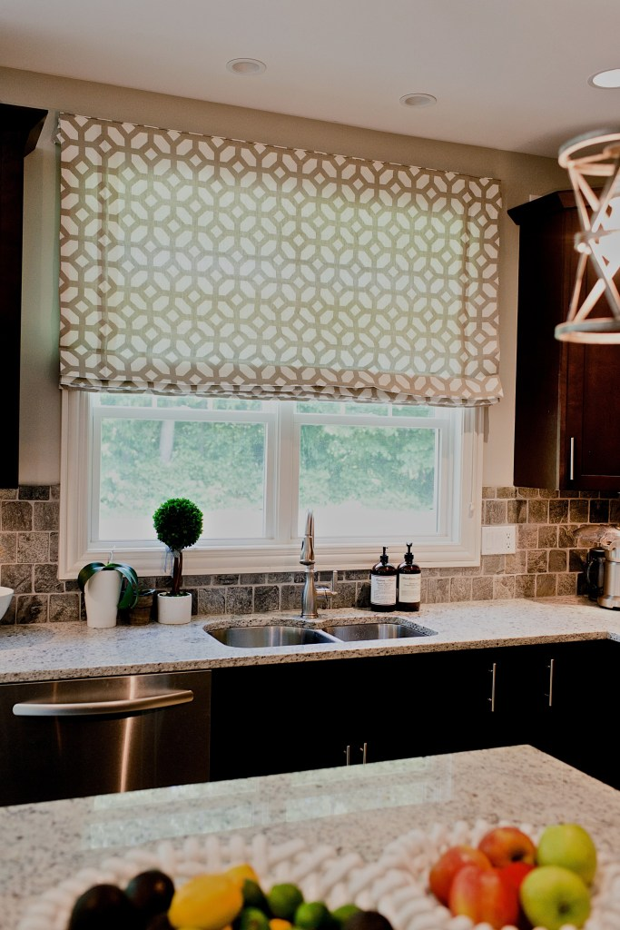 Roman Shades Essential Tips For Choosing An Inside Or Outside Mount Recreateyour